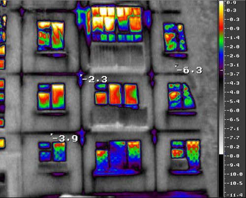 Тепловизионное обследование снаружи жилого дома