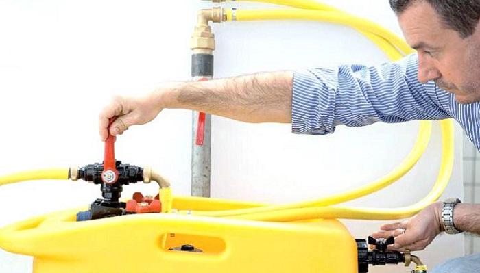 Гидропневматический способ промывки системы отопления